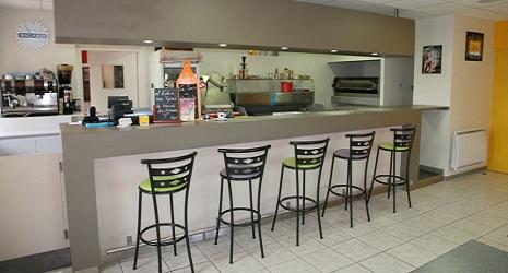 Restaurant l 39 eden bar simard r servation reduction for Cuisine avec ouverture passe plat