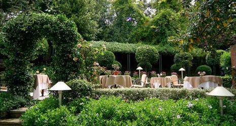 Restaurant le moulin de mougins mougins r servation for Le jardin restaurant mougins