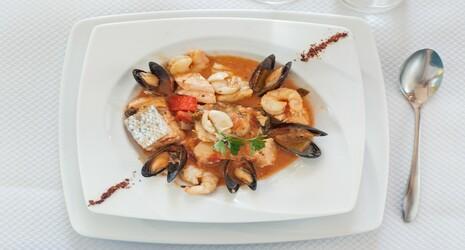 Restaurant le restaurant du port saint pierre de b uf - Restaurant du port st pierre de boeuf ...