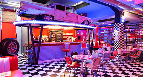 1 repas offert au restaurant 1950 american diner firenze restopolitan. Black Bedroom Furniture Sets. Home Design Ideas