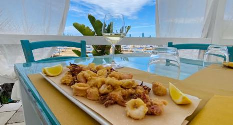 Baia Lounge & Fish Bar